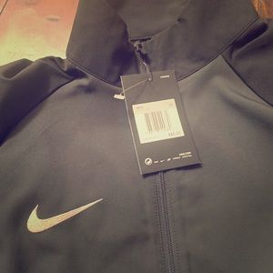 NIKE NWT ON HOLD FOR B